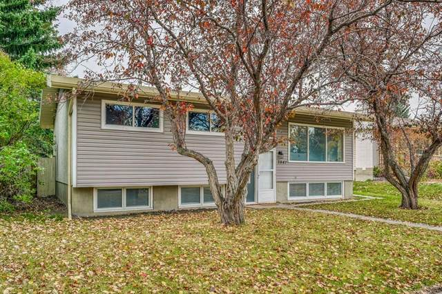 3847 Varsity Drive, Calgary, AB T3A 0Z3 (#A1043374) :: Canmore & Banff