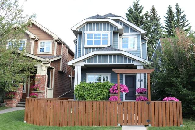 2012 20 Avenue NW, Calgary, AB T2M 1H7 (#A1044042) :: Canmore & Banff