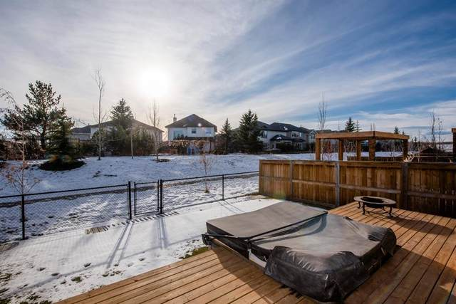 17 Cougar Ridge Close SW, Calgary, AB T3H 0V4 (#A1052088) :: Redline Real Estate Group Inc