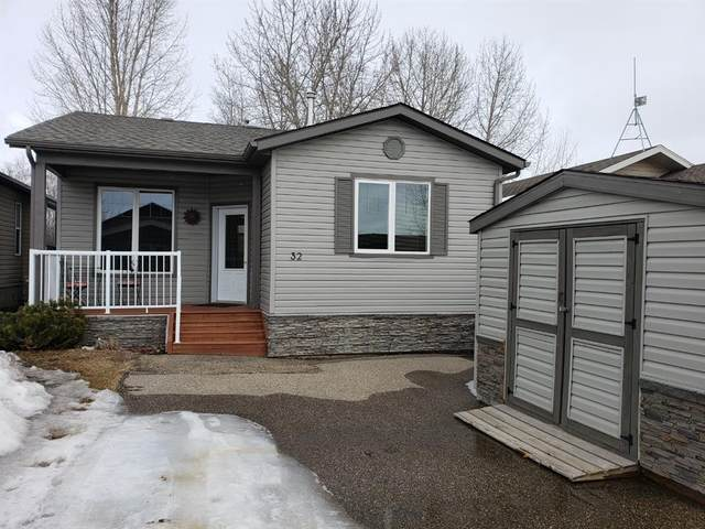 25074 South Pine Lake Road #3032, Rural Red Deer County, AB T0M 1R0 (#A1061198) :: Canmore & Banff