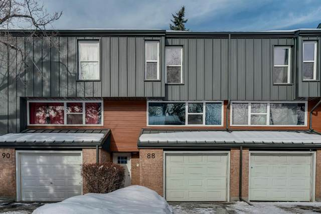 88 Brae Glen Lane SW, Calgary, AB T2W 1B6 (#A1071133) :: Redline Real Estate Group Inc