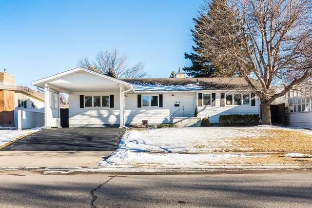 1719 Lakemount Boulevard S, Lethbridge, AB  (#A1071875) :: Calgary Homefinders