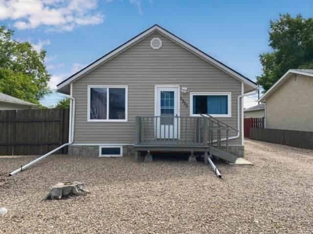 1233 6TH AVENUE, Wainwright, AB T9W 1G2 (#A1072764) :: Calgary Homefinders