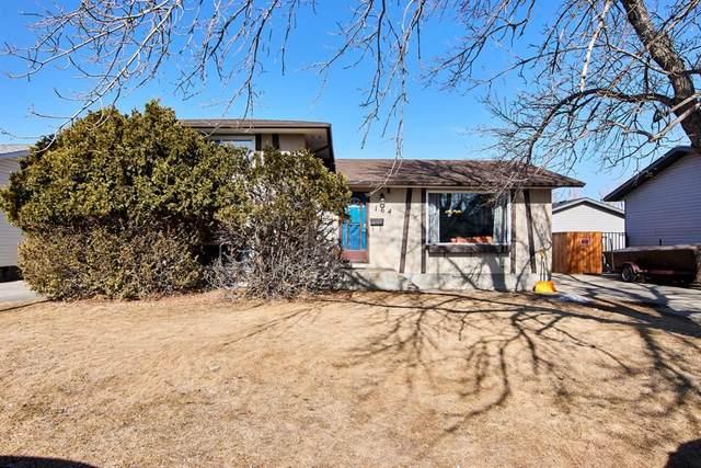 164 19 Street NE, Medicine Hat, AB T1B 1C1 (#A1076758) :: Redline Real Estate Group Inc