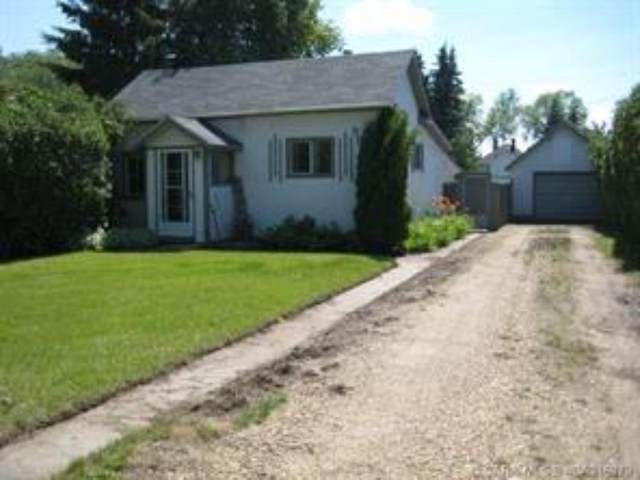 5821 51 Avenue, Stettler Town, AB T0C 2L2 (#A1079207) :: Calgary Homefinders