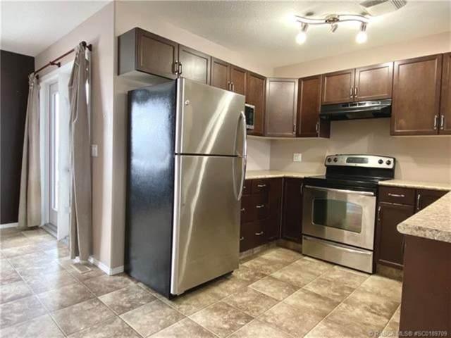 310 17 Street E, Brooks, AB T1R 1B8 (#A1087958) :: Calgary Homefinders