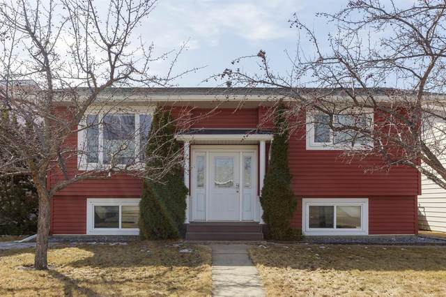 9 Russell Crescent, Red Deer, AB T4B 3B2 (#A1088683) :: Calgary Homefinders