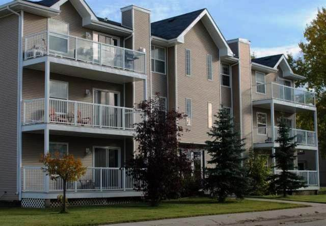 501 3 Street #103, Fox Creek, AB T0H 1P0 (#A1090036) :: Western Elite Real Estate Group