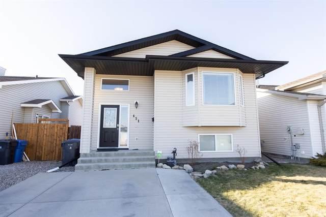 451 Blackfoot Manor W, Lethbridge, AB T1K 7W4 (#A1090402) :: Canmore & Banff