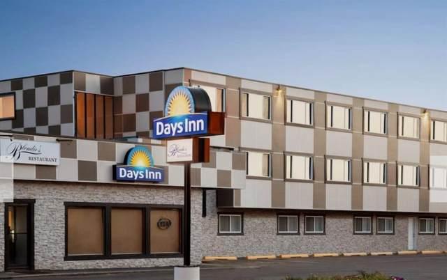 5004 33 Street, Sylvan Lake, AB T4S 1A9 (#A1093146) :: Western Elite Real Estate Group