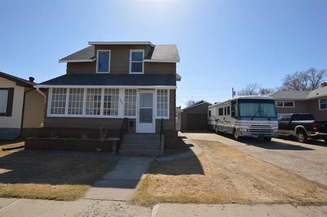 141 9 Street SW, Medicine Hat, AB T1A 4N7 (#A1093148) :: Dream Homes Calgary