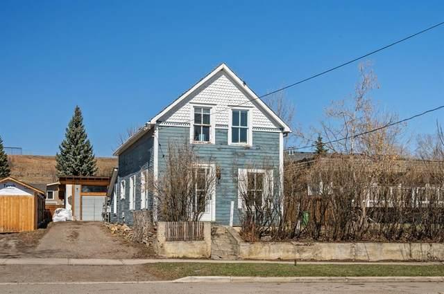 118 Mcrae Street, Okotoks, AB T1S 1J4 (#A1095084) :: Redline Real Estate Group Inc