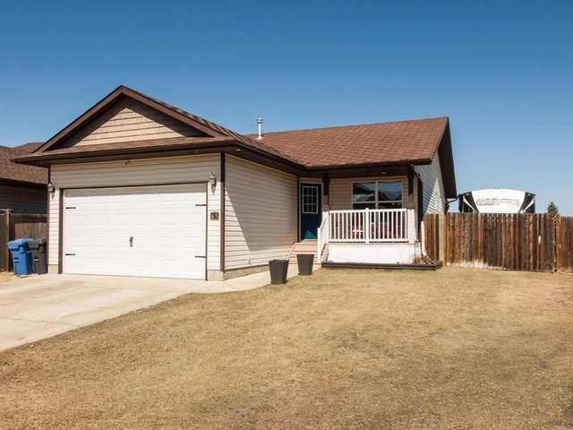 65 Mann Drive, Penhold, AB T0M 1R0 (#A1095974) :: Calgary Homefinders