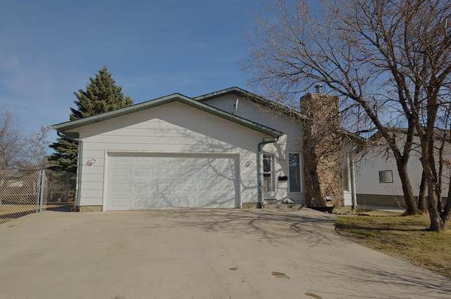 9414 123 Avenue, Grande Prairie, AB T8V 5Y5 (#A1097299) :: Greater Calgary Real Estate