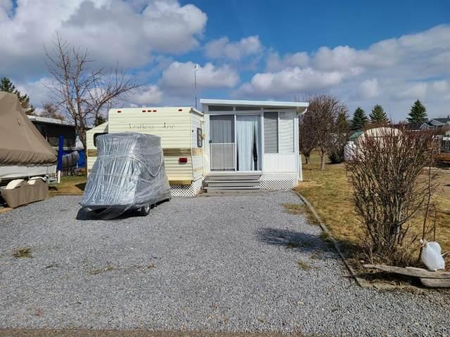 233 Carefree Resort, Rural Red Deer County, AB T4G 0K6 (#A1099315) :: Calgary Homefinders
