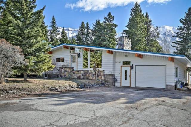 210 Blue Jay Drive, Harvie Heights, AB T1W 2W2 (#A1100710) :: Canmore & Banff