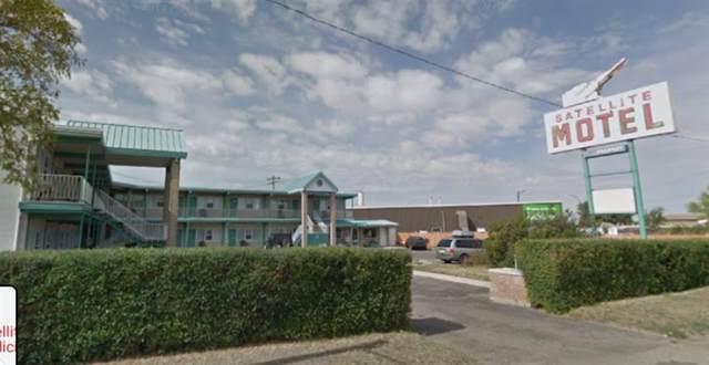 1705 Bomford Crescent SW, Medicine Hat, AB T1A 5E8 (#A1104924) :: Western Elite Real Estate Group