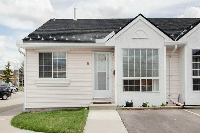 209 Woodside Drive NW #9, Airdrie, AB T4B 2E7 (#A1106709) :: Western Elite Real Estate Group