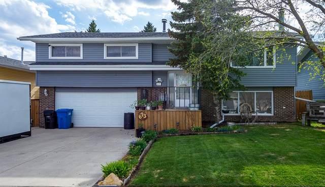 673 Macewan, Carstairs, AB T0M 0N0 (#A1108164) :: Calgary Homefinders