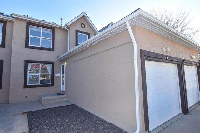 16 Sandpiper Court NW, Calgary, AB T3K 4N2 (#A1109974) :: Western Elite Real Estate Group