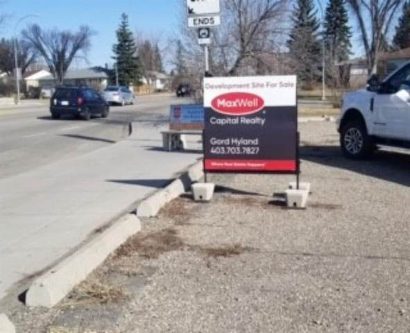 5024 Centre Street NE, Calgary, AB T2K 0S8 (#A1110474) :: Calgary Homefinders