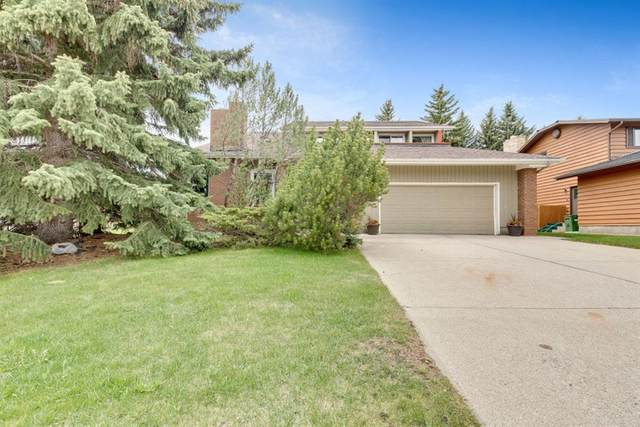 44 Wood Willow Place SW, Calgary, AB T2W 4H5 (#A1113153) :: Western Elite Real Estate Group