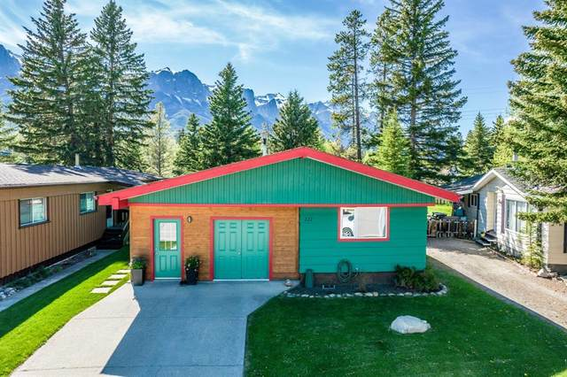 111 Larch Place, Canmore, AB T1W 1R5 (#A1114019) :: Calgary Homefinders
