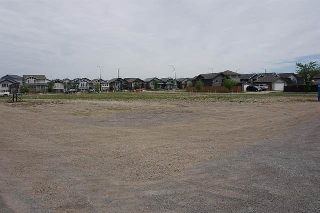 15 Hawkridge Boulevard, Penhold, AB T0M 1R0 (#A1115577) :: Calgary Homefinders