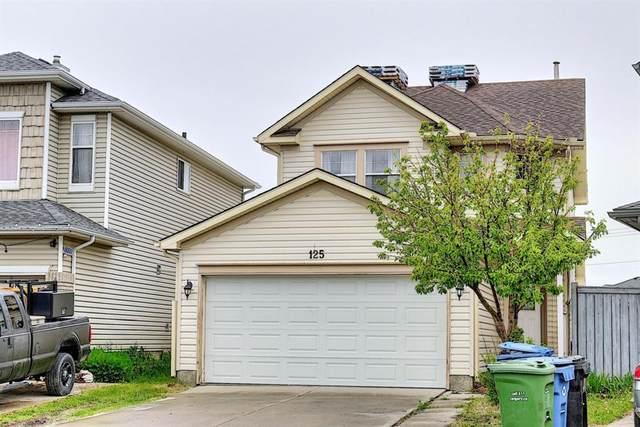 125 Martinvalley Crescent, Calgary, AB  (#A1117736) :: Calgary Homefinders