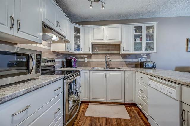 2323 Oakmoor Drive SW #31, Calgary, AB T2V 4T2 (#A1118559) :: Western Elite Real Estate Group