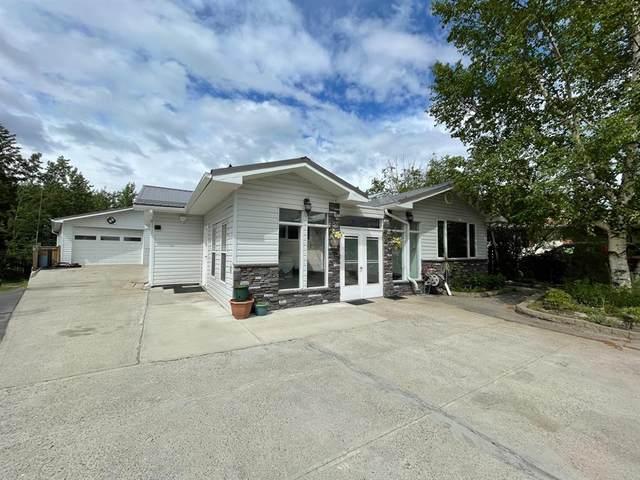 134 Maligne Drive, Hinton, AB T7V 1J3 (#A1120041) :: Calgary Homefinders