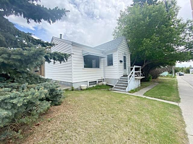 2012 9 Street NW, Calgary, AB T2M 3L6 (#A1121420) :: Greater Calgary Real Estate