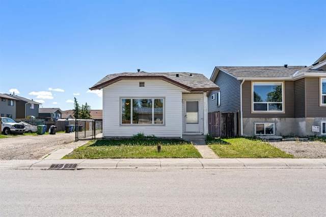 212 Castlegreen Close NE, Calgary, AB T3J 1Y6 (#A1122058) :: Western Elite Real Estate Group