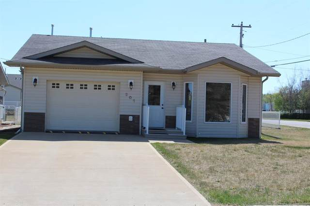 127 1st Avenue Sw, Manning, AB T0H 2M0 (#A1135112) :: Calgary Homefinders