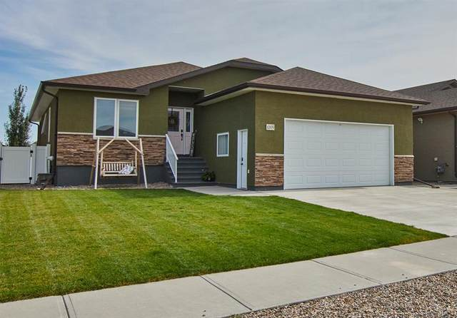 1009 Memorial Drive SE, Redcliff, AB T0J 2P0 (#A1145429) :: Calgary Homefinders