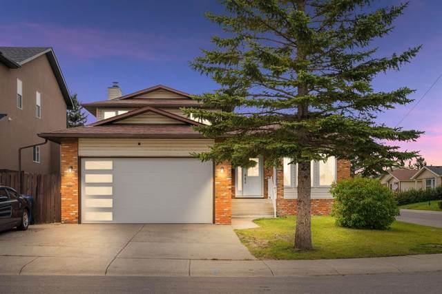 4 Castlebury Way NE, Calgary, AB T3J 1M4 (#A1146595) :: Calgary Homefinders