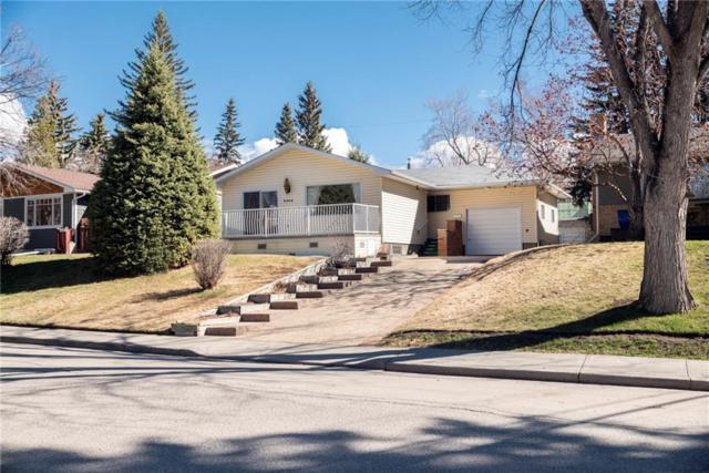 3464 Chippendale Drive NW, Calgary, AB T2L 0W6 (#C4235729) :: Calgary Homefinders