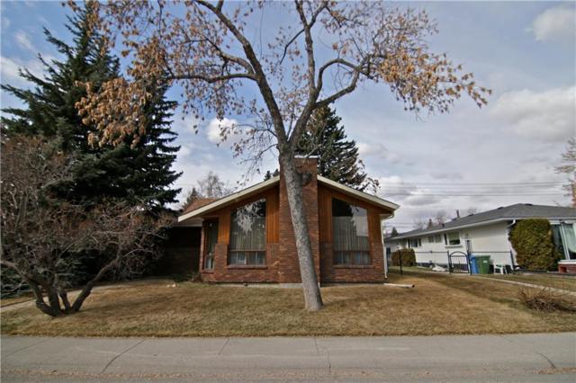 27 West Glen Crescent SW, Calgary, AB T3C 2X5 (#C4238074) :: Redline Real Estate Group Inc