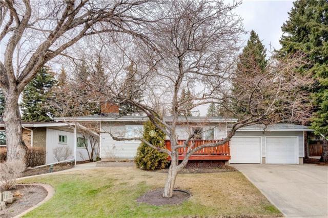 386 Capri Crescent NW, Calgary, AB T2L 1B2 (#C4238978) :: Redline Real Estate Group Inc