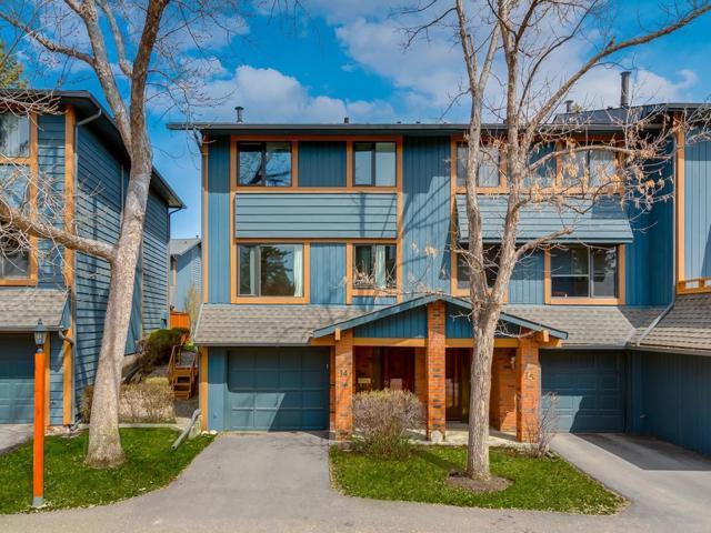 10030 Oakmoor Way SW #14, Calgary, AB T2V 4S8 (#C4243151) :: The Cliff Stevenson Group