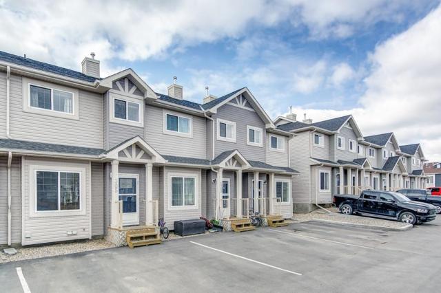 305 Strathaven Mews, Strathmore, AB T1P 1P5 (#C4243803) :: Redline Real Estate Group Inc