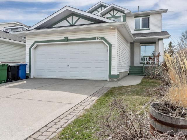 224 Shawbrooke Manor SW, Calgary, AB T2Y 3L7 (#C4244286) :: Redline Real Estate Group Inc