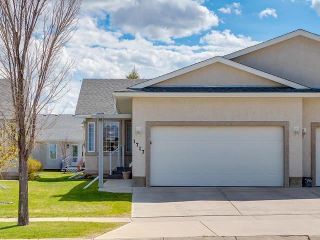 1717 Riverside Drive NW, High River, AB T1V 1X3 (#C4245607) :: Redline Real Estate Group Inc