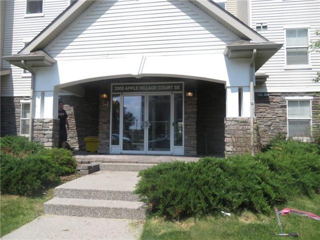 2000 Applevillage Court SE #303, Calgary, AB  (#C4254133) :: Calgary Homefinders