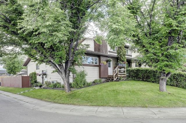 180 Templehill Drive NE, Calgary, AB T1Y 4M2 (#C4256263) :: Redline Real Estate Group Inc