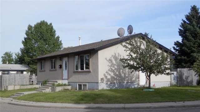 4 Rundlewood Bay NE, Calgary, AB T1Y 1B3 (#C4258114) :: The Terry Team