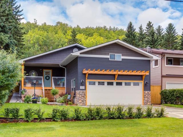 8703 33 Avenue NW, Calgary, AB T2B 1M2 (#C4258626) :: Redline Real Estate Group Inc