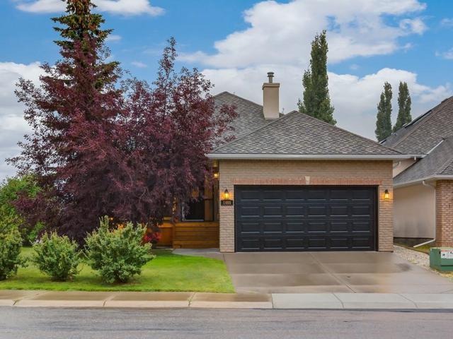 1408 Strathcona Drive SW, Calgary, AB T3H 4L1 (#C4263140) :: The Cliff Stevenson Group