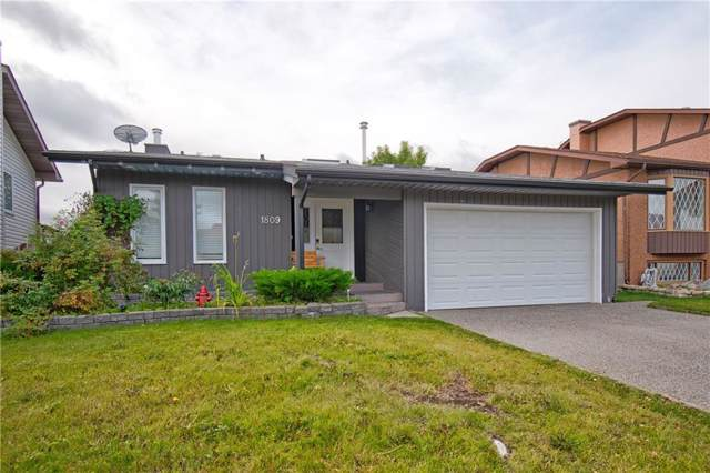 1809 Meadowbrook Drive SE, Airdrie, AB T4A 1V5 (#C4268391) :: Redline Real Estate Group Inc