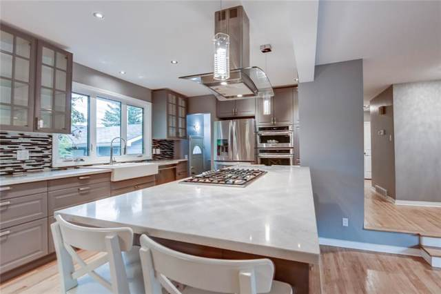 28 Meadowview Road SW, Calgary, AB T2V 1V8 (#C4268481) :: Virtu Real Estate